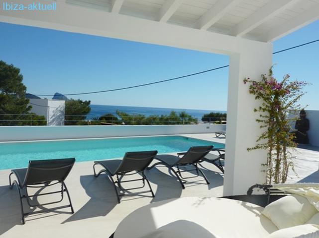 ibiza villa am meer mit pool. Black Bedroom Furniture Sets. Home Design Ideas