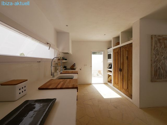 kitchen with exit to patio